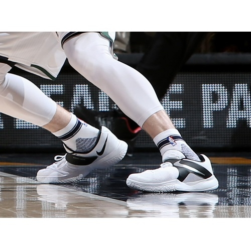 What Shoes Was Gordon Hayward Wearing